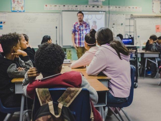 Schule, Klasse, unsplash.com, Neonbrand