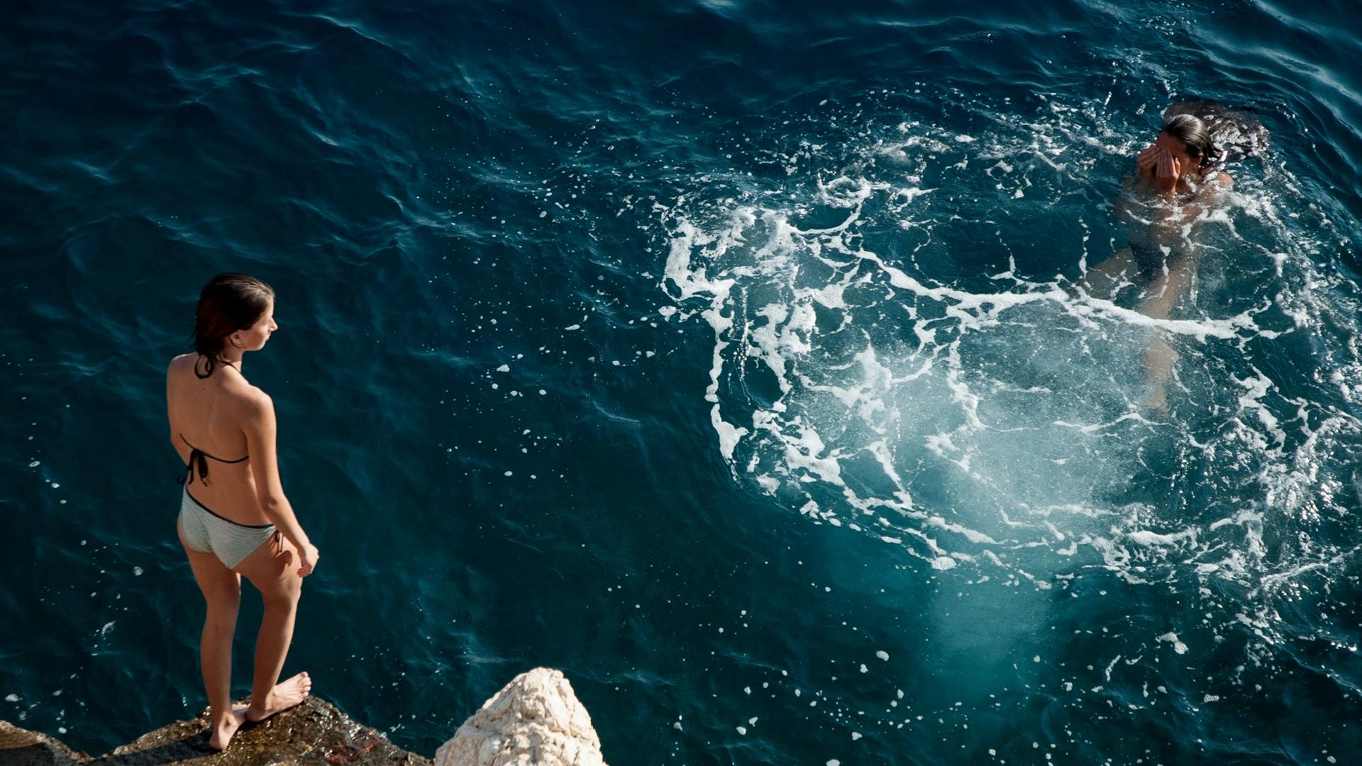 Wasser, Mut, Sprung, Frau, unsplash.com, Orest Yaremchuk