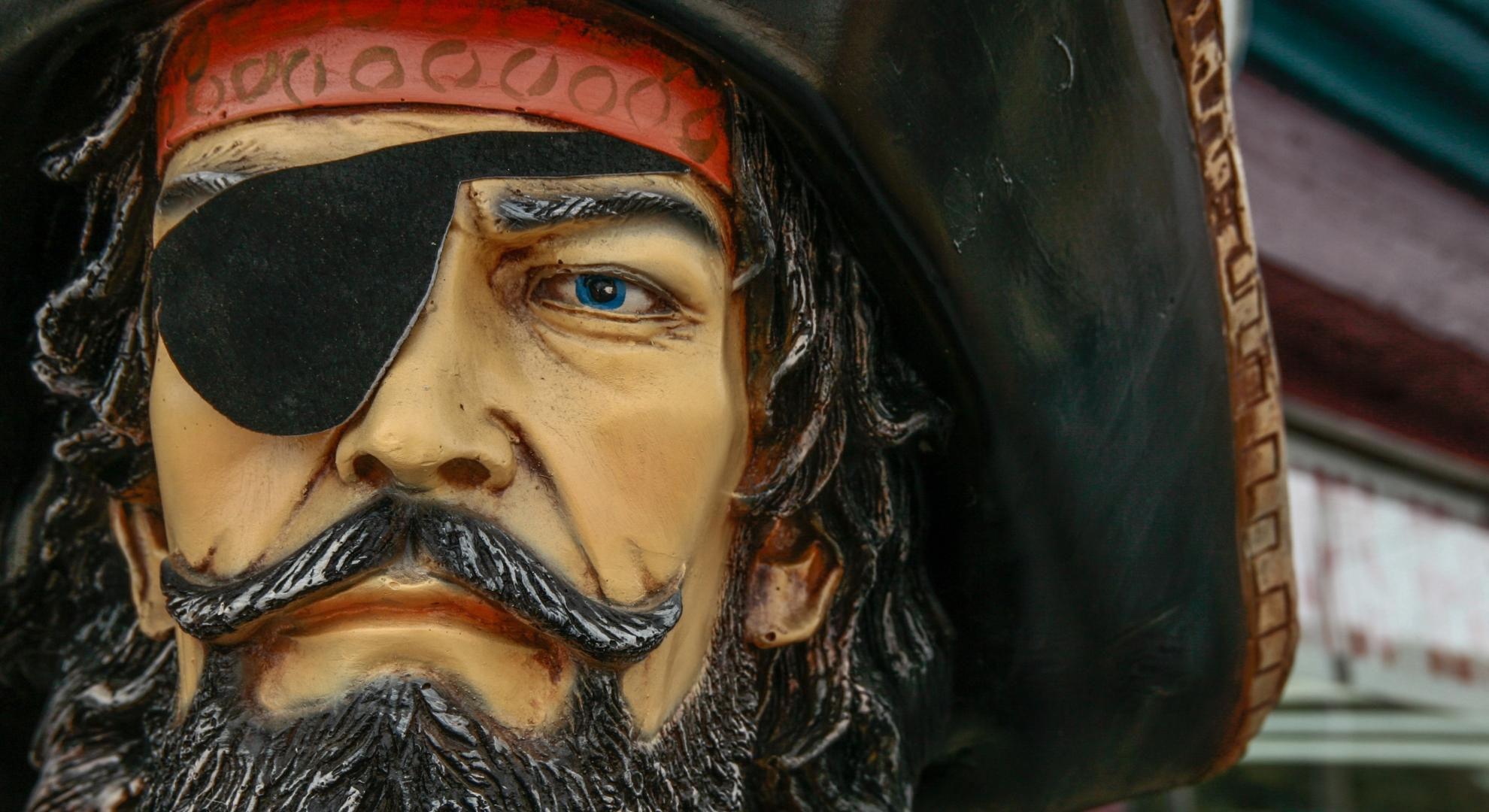 Pirat, Statue, unsplash.com, Scott Umstattd