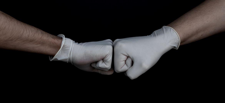 Corona, Handschuhe, Team, unsplash.com, Branimir Balogovic