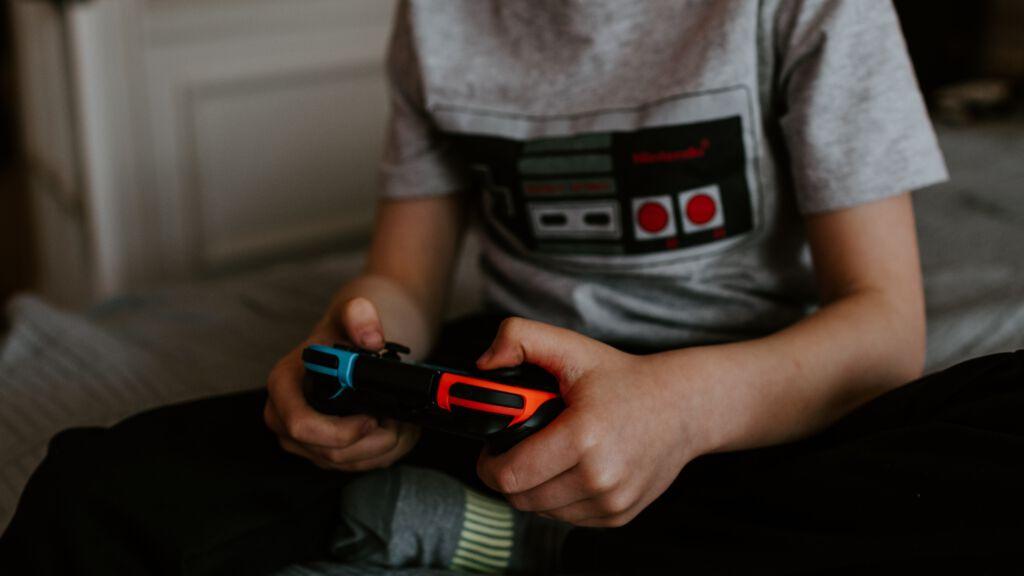 Gaming Internetsucht Mediensucht unsplash.com, Kelly Sikkema