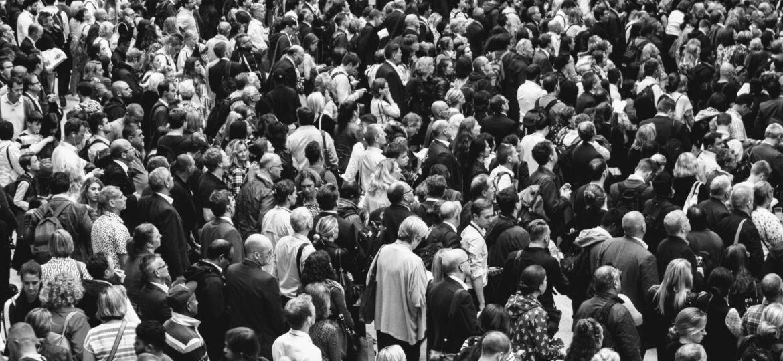 Menschenmenge, Gemeinsam, Gesellschaft, unsplash.com, Rob Curran