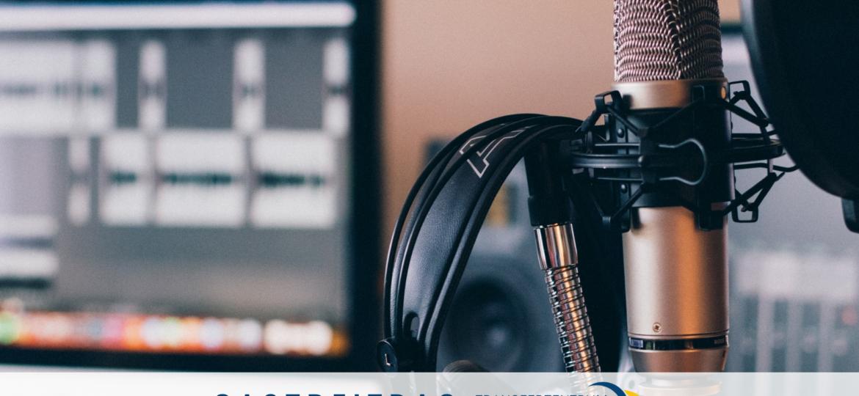Podcast, Podcaststudio, Kopfhörer, Mikrofon, unsplash.com, Will Francis
